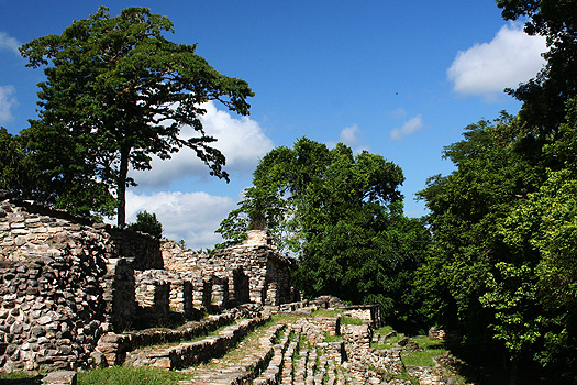 North facade (buildings 43 and 44) of Pequeña Acrópolis, Yaxchilán