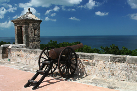 On top of Fuerte de San Miguel looking out over the Gulf of Mexico